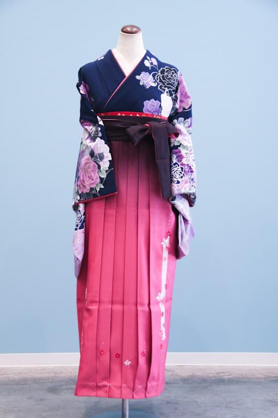 紺色のシックな卒業式袴