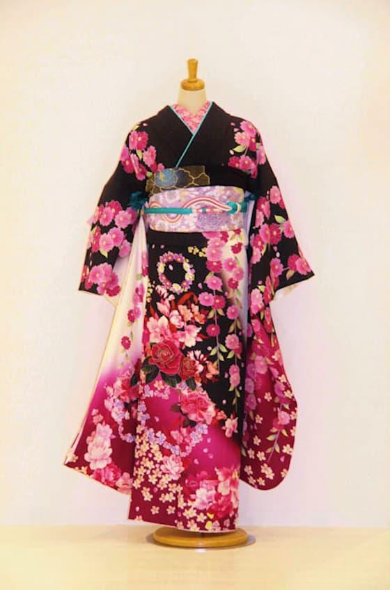 ピンク黒お花振袖