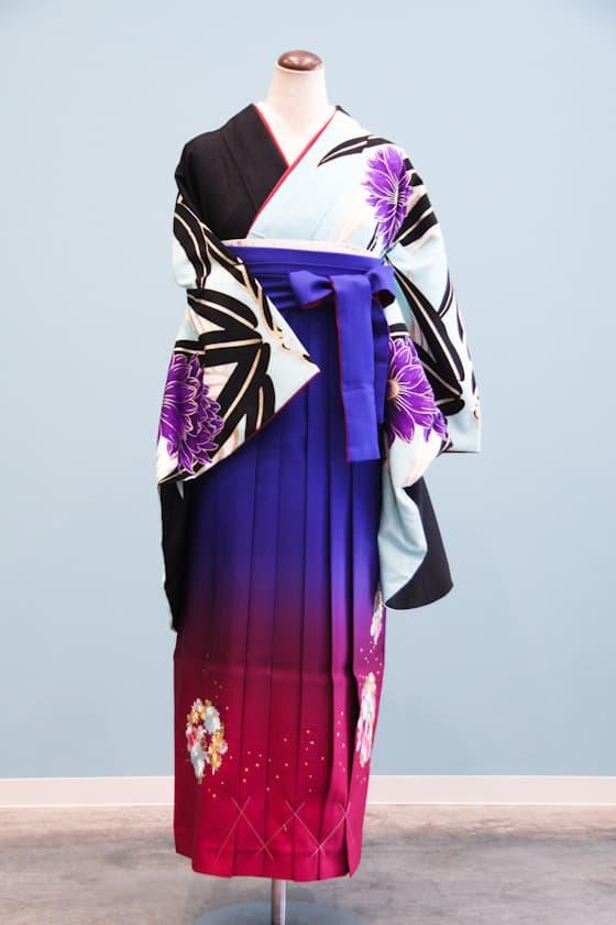 黒とブルーの個性的な着物 グラデーションの袴