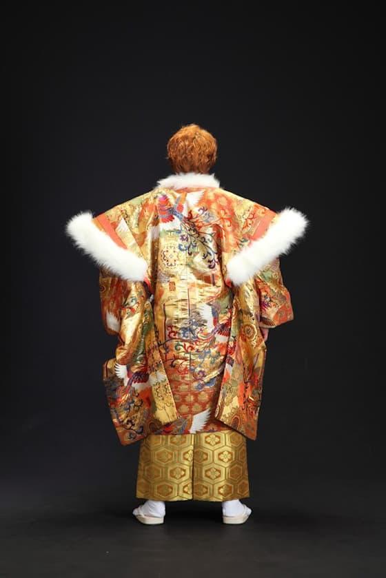 金色の裃風羽織の紋付き