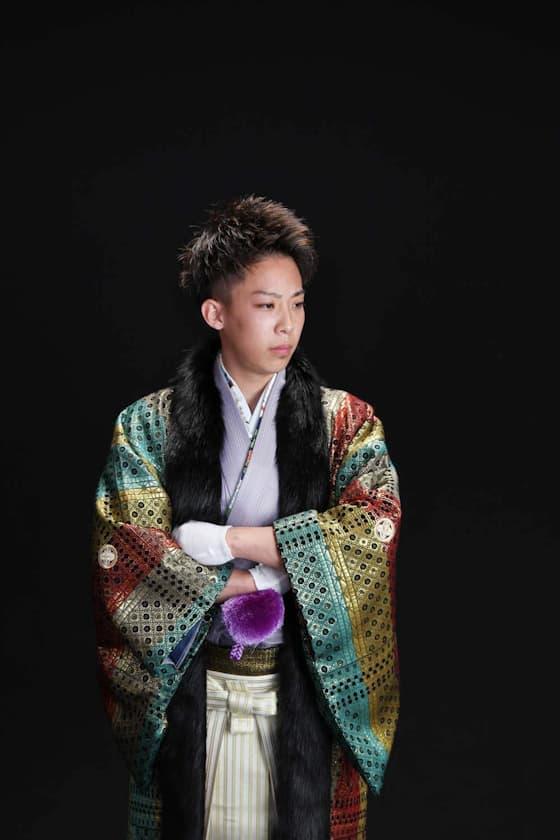 香川県成人式目立つ紋付・袴