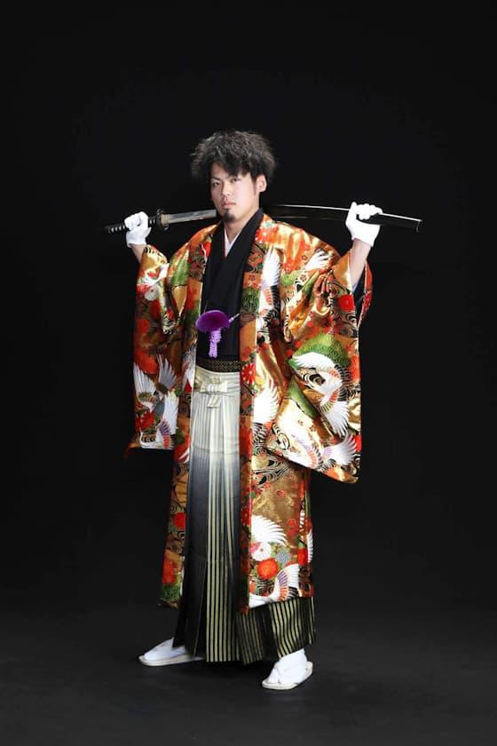 香川成人式 派手な紋付き袴