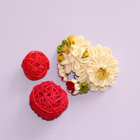 着物 和のお花の頭飾り