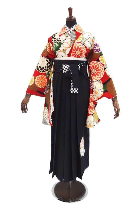 中村里沙赤と緑のモダンな卒業式袴