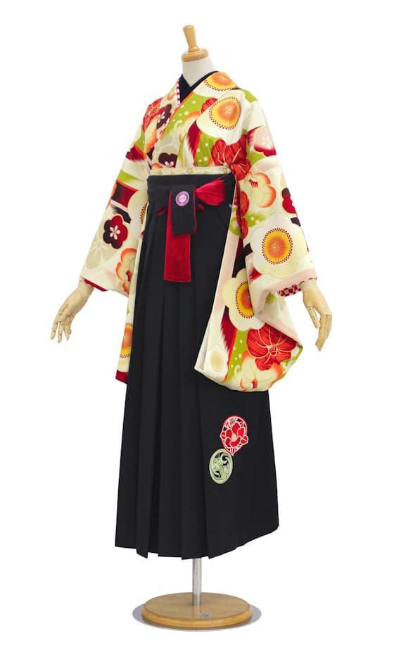 中村里沙緑地に梅柄の卒業式袴